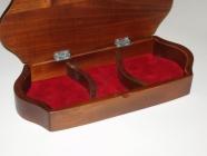 Drewniane pudełka z biżuterią Brok