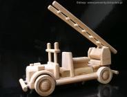 Zabawka wóz strażacki z drewnia