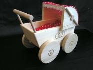 Śliczny wózeczek dla lalek, zabawka