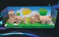 Ciągnik z spycharki i zabawka ciężarówka