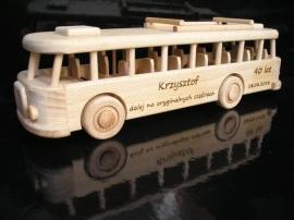 autobusy-zabawki