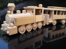 Drewniany lokomotywa i wagon pasażerski