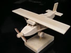 Prezent, samolot Pilatus, urodziny dla mężczyzny