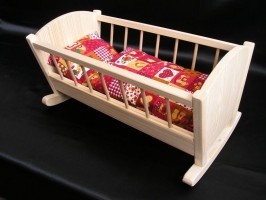 Kołyska dla lalek, drewniana zabawka