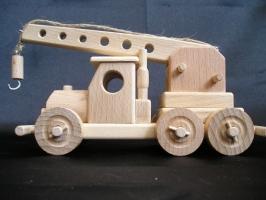 Drewniany dźwig samojezdny, zabawka