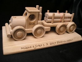 Ciężarówka do transportu drewna, prezent