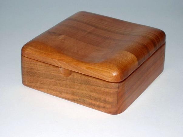 Drewniane pudełka z biżuterią Dęblin