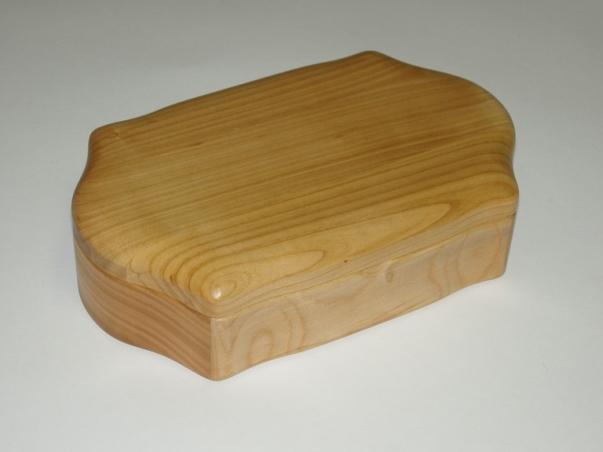Drewniane pudełka z biżuterią Augustów