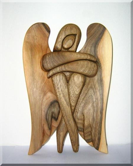 Figurka aniołik, rzeźba w drewnie