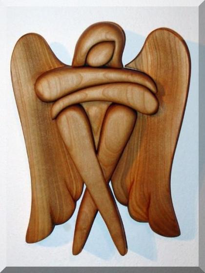 Anioł siedzący, rzeźba w drewnie