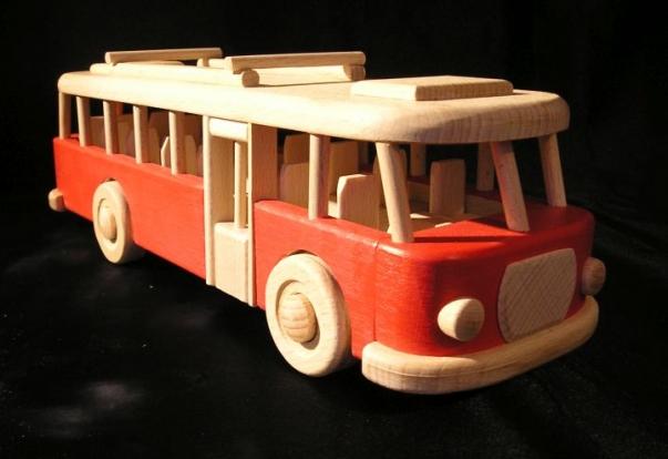 Autobus czerwony drewniany dla dzieci