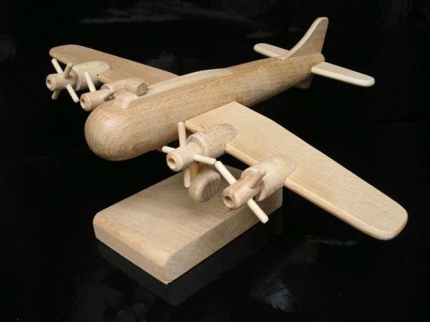 Prezent, samolot boeing, B17, urodziny