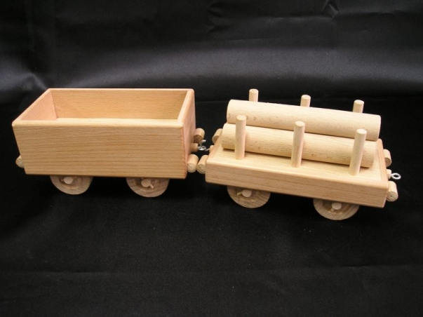 Drewniane wagony do lokomotywy parowej
