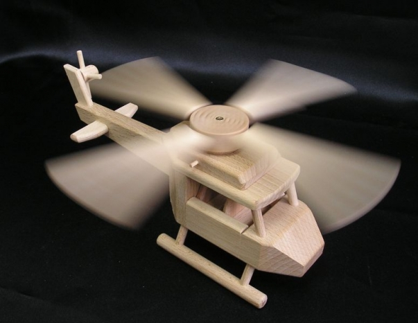 Drewniany helikopter dla dzieci