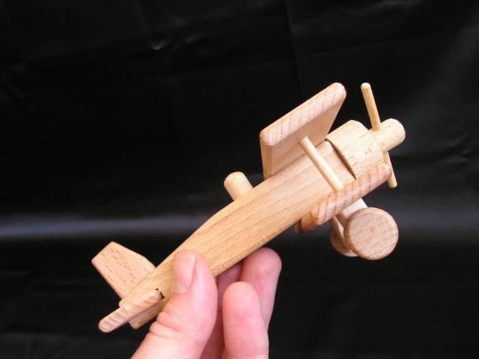 Autko i samolot z drewna