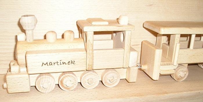 Lokomotiva z drewnia