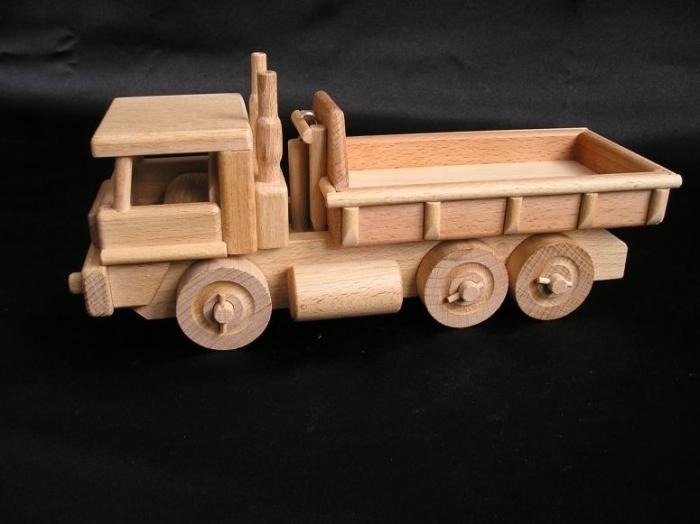 dDrewniane auto-ciezarowe-zabawki