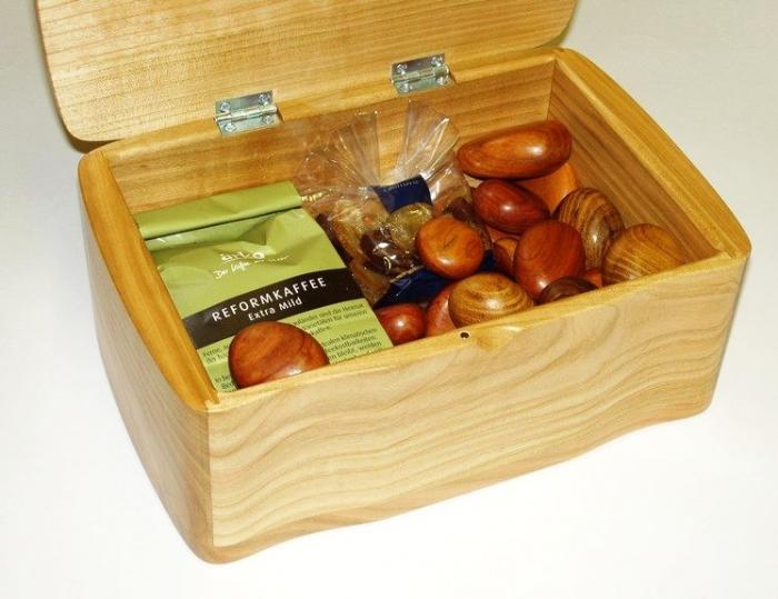 Pudełka i szkatułki na biżuterię