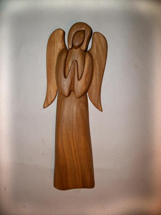 Anioł Stróż, drewniana statua