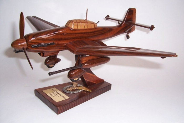 Junkers JU 87G model samolotu z drewna