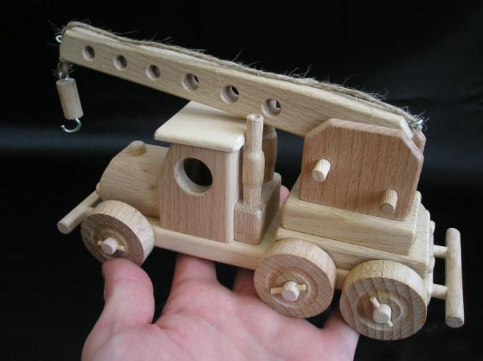 autentyczna-wielkosc-dzieciece-zabawki-dzwig