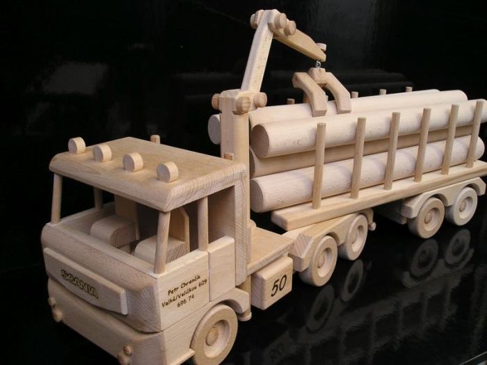 Ciężarówka z przyczepą, leśnictwo drewna,