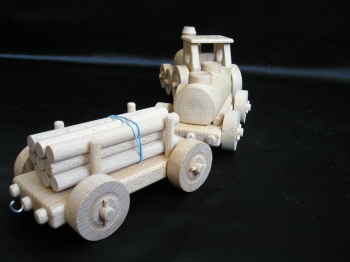 pociagi-zabawki-z-drewna-dla-dzieci