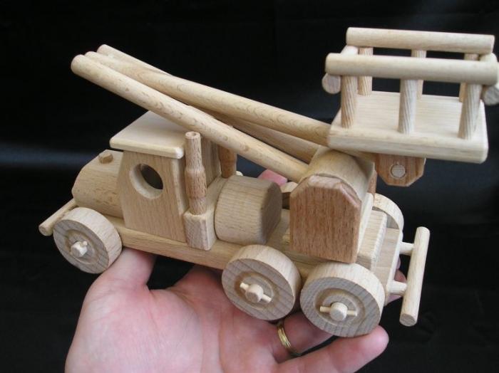 zabawka-dzwig-w-autentycznej-wielkosci