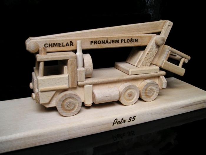 Platforma montażowa samochodu, prezent, zabawka
