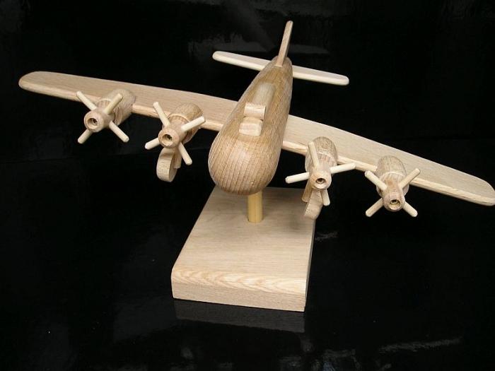 Prezent, samolot boeing, B17