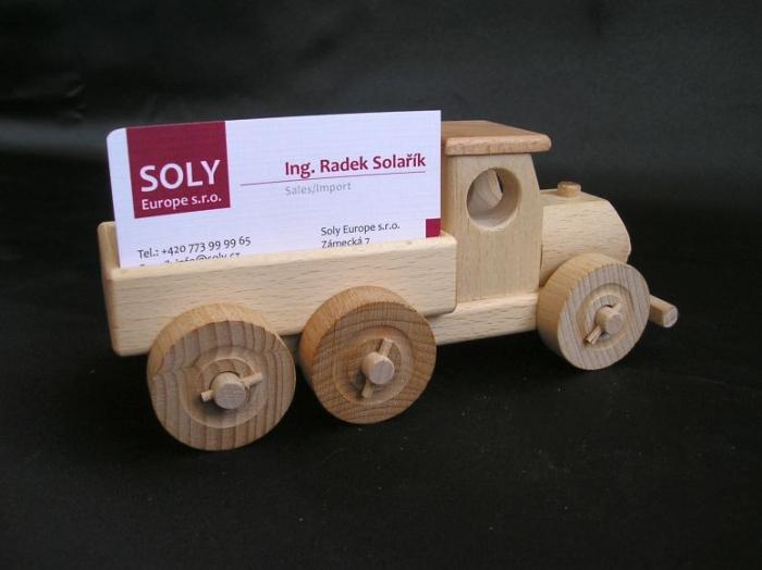model-samochodu-ciezarowego-firmowe-materialy-propagacyjne