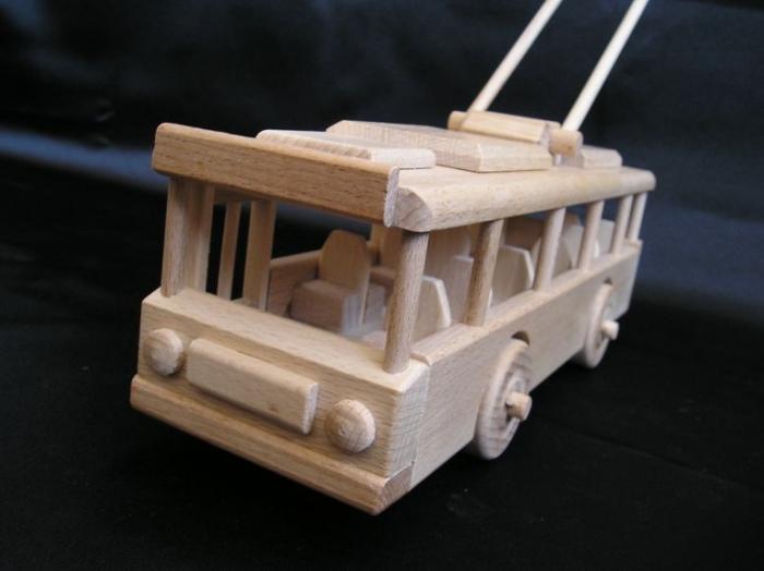 trolleybus-zabawki-dla-dzieci