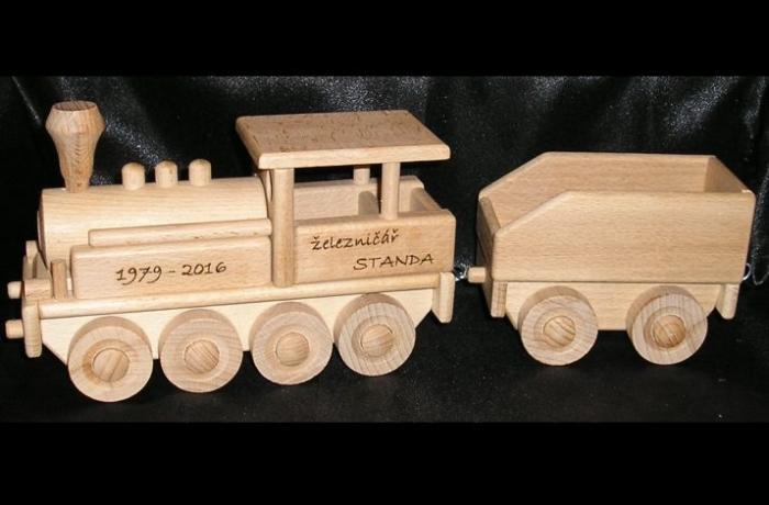 Lokomotywa z wagonem, zabawki