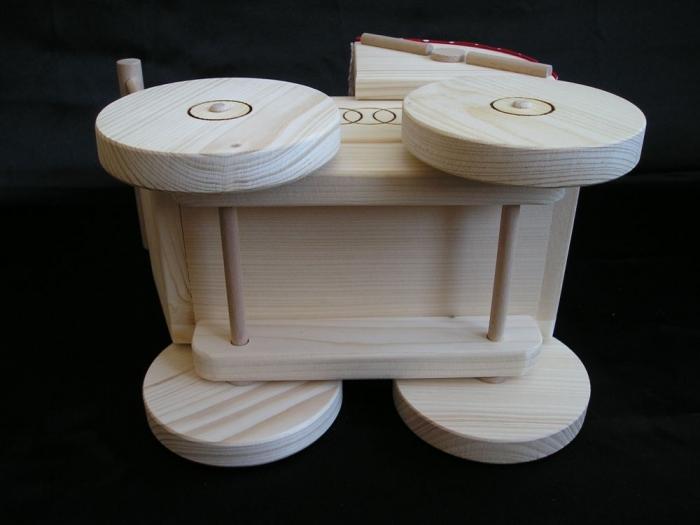 wozeczek-z-drewna-dla-dziewczynek