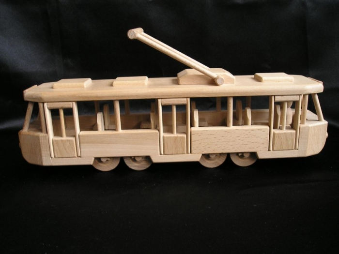 Tramwaj-elektryczny-zabawka