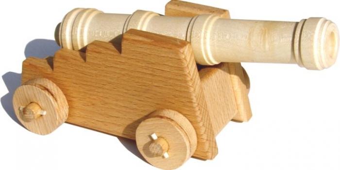 Drewniana armata, zabawka