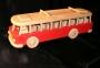 czerwony autobus zabawka
