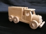 drewniane-auto-przewozowe-do-zabawy