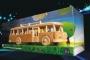 autobus-z-drewnia-zabawka